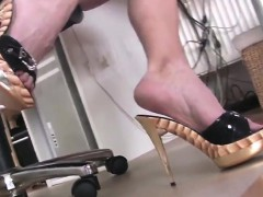 Hot Legs On Attractive High Heel Shoes That Are Gold