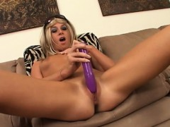 provoking-babe-spreads-her-hot-legs-and-drills-her-twat-with-a-dildo