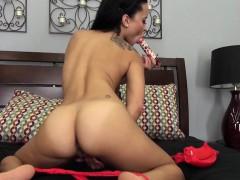 Exotic Beauty Mia Austin Masturbating Solo