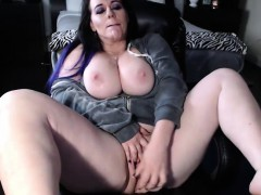 White Booty Milf With Huge Boobs