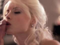 blonde-fellucia-blowjob-queen