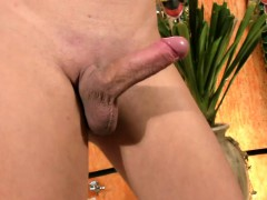 Black hair TS spreads her butt and wanks shedick in closeup
