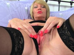 british-milfs-amy-and-tori-love-playing-with-a-dildo