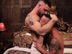 latin-gay-flip-flop-with-cumshot