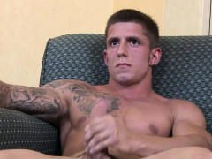 tattooed-soldier-hunk-kevin-daniels-enjoys-his-wanking-off