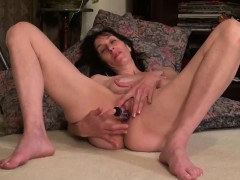 usawives-mature-lady-penny-jones-toying