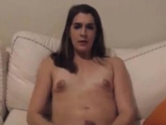 transsexual-amateur-making-herself-cum
