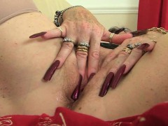 uk-grannies-zadi-and-elaine-give-their-old-pussy-a-treat