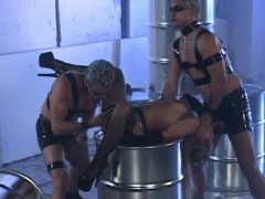 Sharka Blue Getting Kinky In Threesome