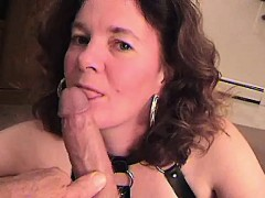 boots-and-mature-rookie-sucking-a-dion-from-dates25com
