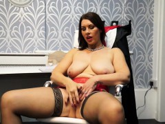 hot-european-milf-masturbating-in-the-office