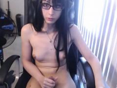 Tranny Cumming During Live Masturbation Show