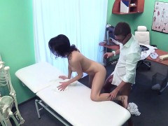 patient-gets-cock-in-lap-of-doctor