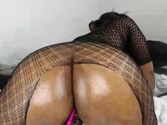 round and massive butt booty milf mamas masturbate solo