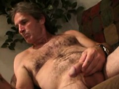 Mature Amateur Larry Beats Off