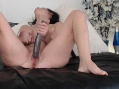 hot-milf-squirting-on-webcam