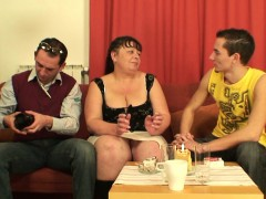fat-mature-babe-takes-two-cocks-at-once