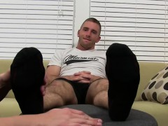 muscular-dudes-scott-and-cole-enjoy-nice-feet-fetish-time