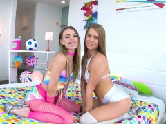 JILLIAN JANSON AND JILL KASSIDY LET THE DROOL SPILL