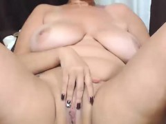 gorgeus-huge-natural-tits-camgirl-masturbates-at-home