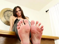 foot-loving-debutante-plays-with-her-feet