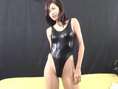 japanese-gal-in-lingerie