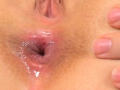 Cute Kitten Is Gaping Narrow Vagina In Close-up And Having O