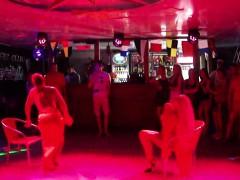 amateur-striptease-2