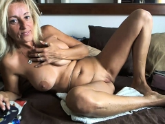 mature-mom-with-big-boobs-fucks-a-dildo