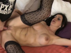 amateur-couple-spicing-it-up-in-the-bedroom