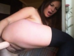 Beauty With Neatly Trimmed Bush Fucks Herself