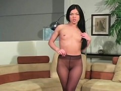 wicked-nympho-in-pantyhose-demonstrates-nice-aperture