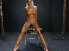 blonde-bimbo-whipped-on-casting