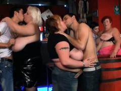 three-bbw-have-fun-in-the-fat-bar