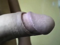 Straight amateur enjoys gay handjob