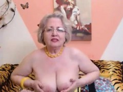 granny-stripping-in-front-of-the-webcam