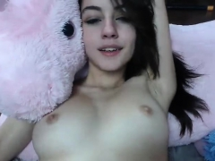 hot-amateur-naked-teen-toys-her-pussy