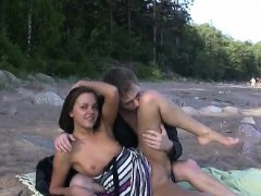 Romantic Honey Is Willing For The 1st Sex Of The Day