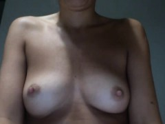 hot-blonde-webcam-girl-fingers-her-pussy