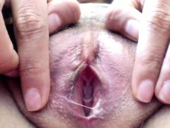 blonde-up-close-pink-pussy-webcam