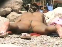 Voyeur On The Beach 2
