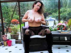 europemature-hot-busty-solo-lady-playing-alone