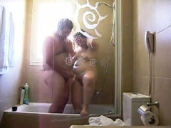 my-fat-girl-in-the-hotel-shower