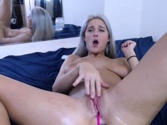 Amateur Big Ass And Natural Tits Blonde Camgirl On Webcam