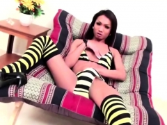 Extraordinary Shemale Enjoying Her Penis While Getting Anal
