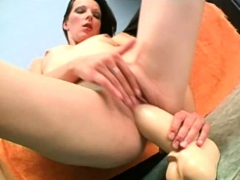 russian amateur humping a fat brutal dildo and gaping