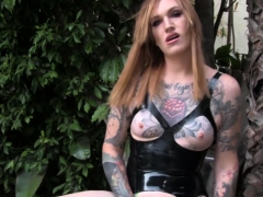 Bigass Trans Babe Wanking Outdoors