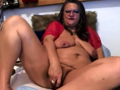 Old Pleasure Goddess Milf With Meaty Pussy Lips