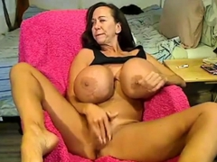 webcam-giant-tits-busty-mature