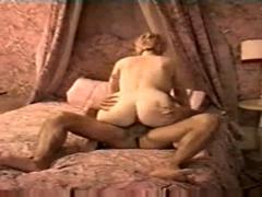norge-store-bryster-kone-hjemmelaget
